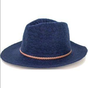 Peter Grimm true character dira fedora hat